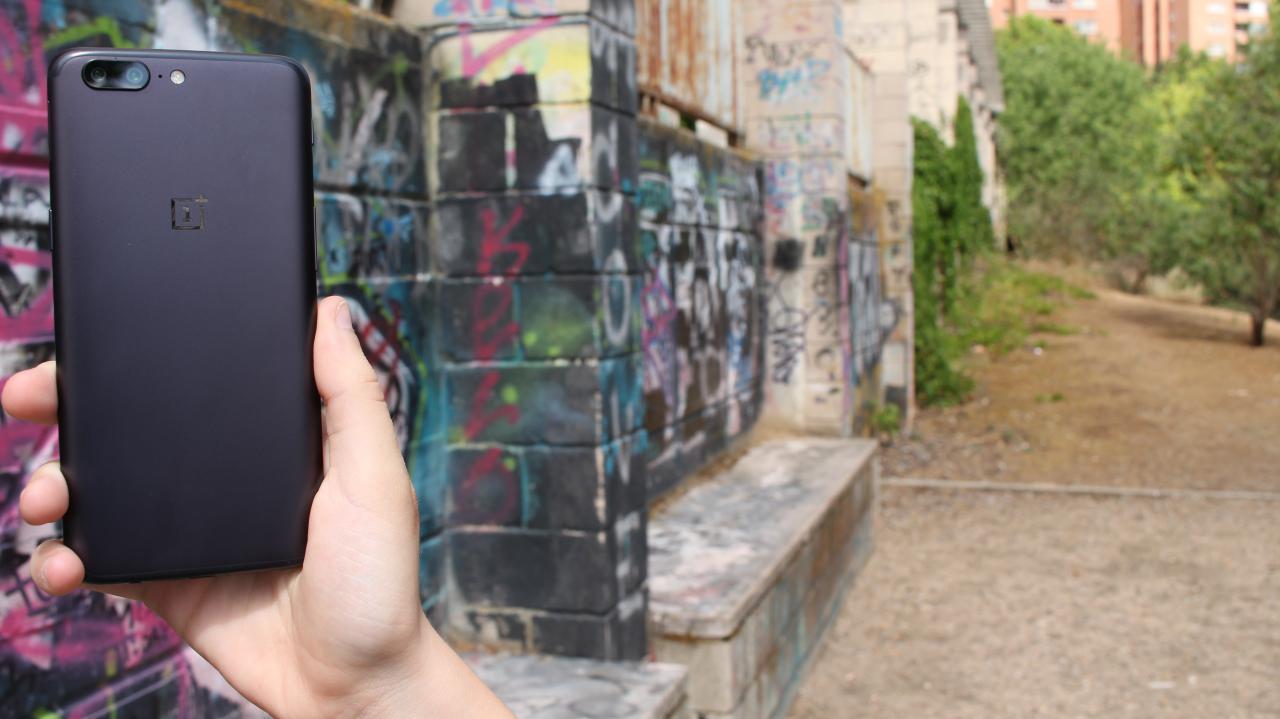 OnePlus 5 trasera