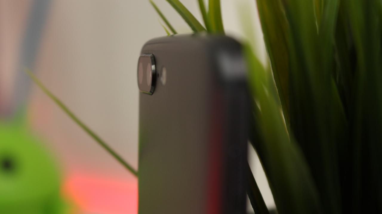 OnePlus 5 cámara trasera sobresale