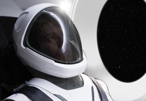 traje espacial de SpaceX: Elon Musk en el traje espacial de SpaceX