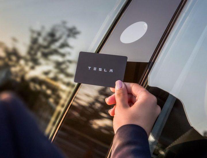 Tesla Model 3: Tarjeta para desbloquear Tesla Model 3